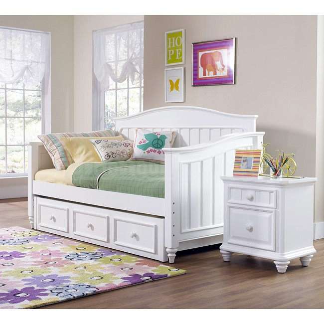Bedroom Furniture day bed photo - 2
