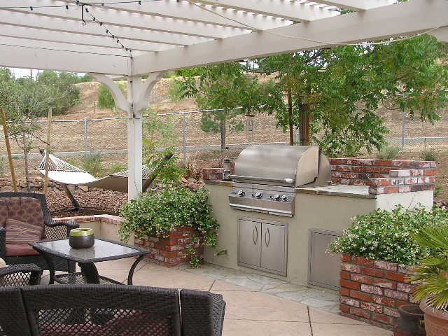 Backyard brick bbq ideas design and ideas for Backyard built in bbq ideas