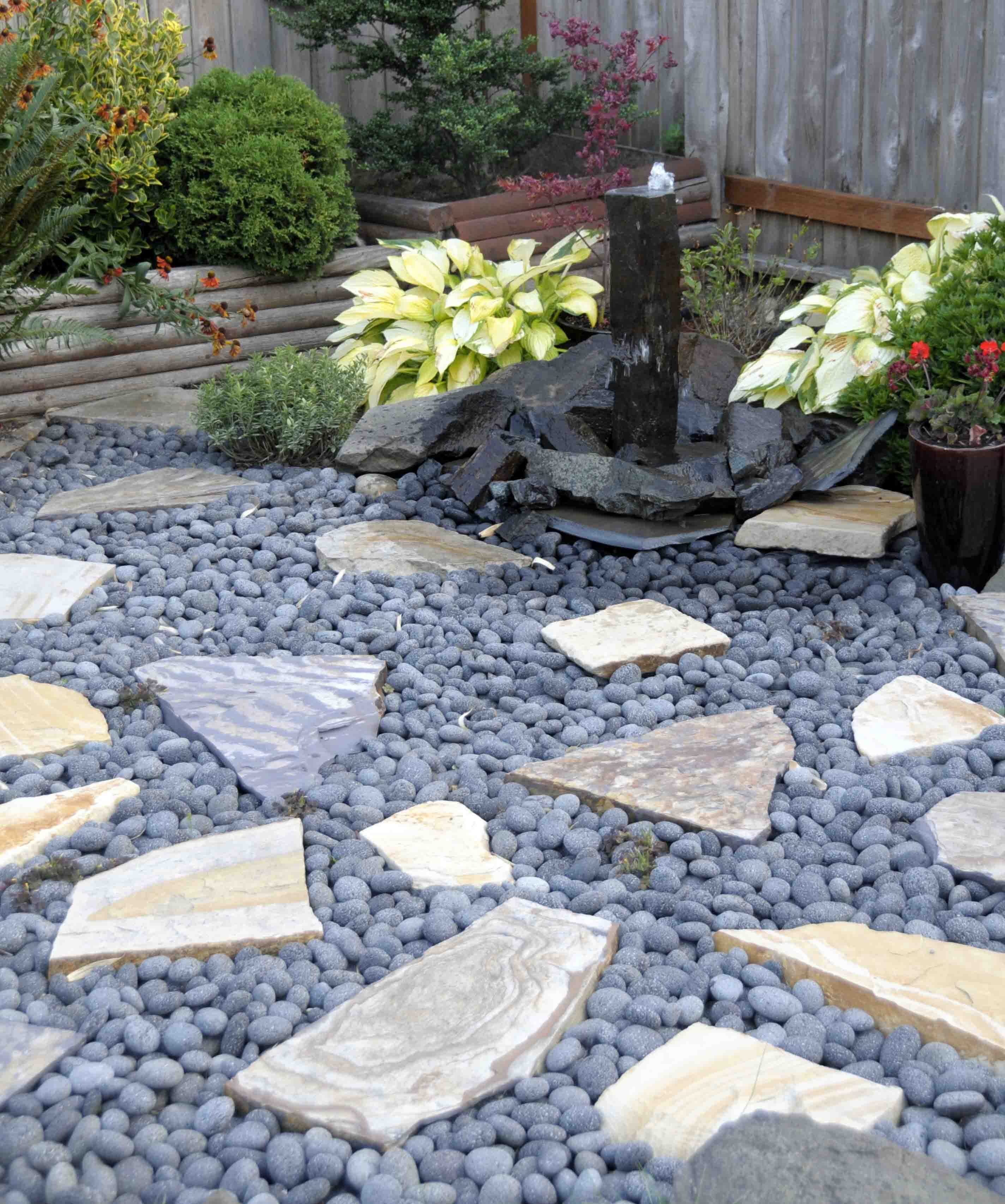 Black Lava Rock In Landscaping 187 Design And Ideas