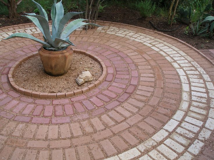 brick patio circle pattern 187 design and ideas