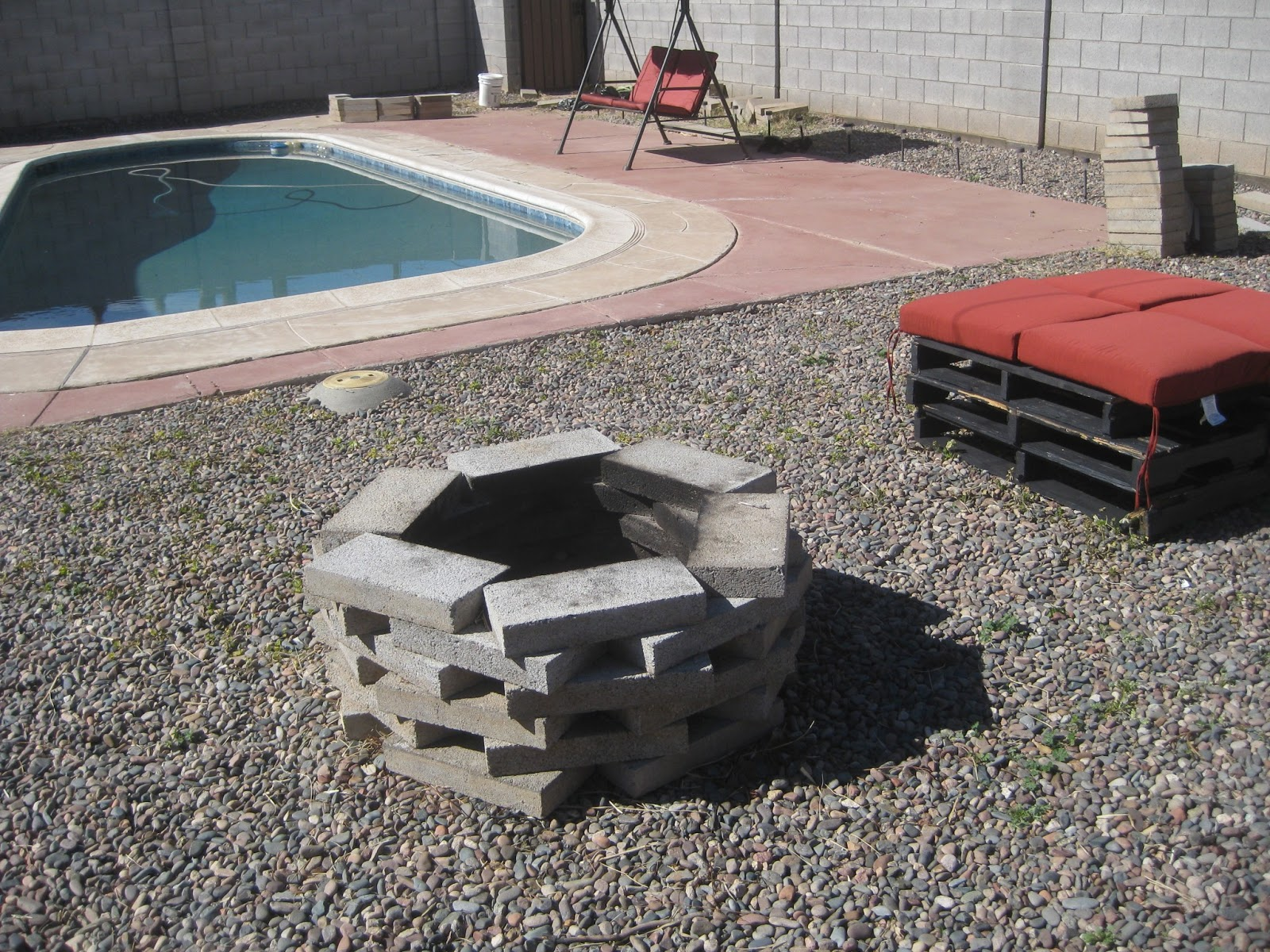build rock fire pit Design and Ideas