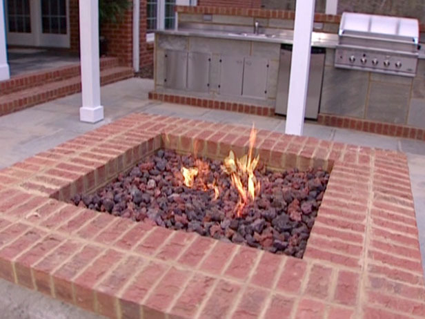 Building a fire pit bricks design and ideas for Brick fire pit construction