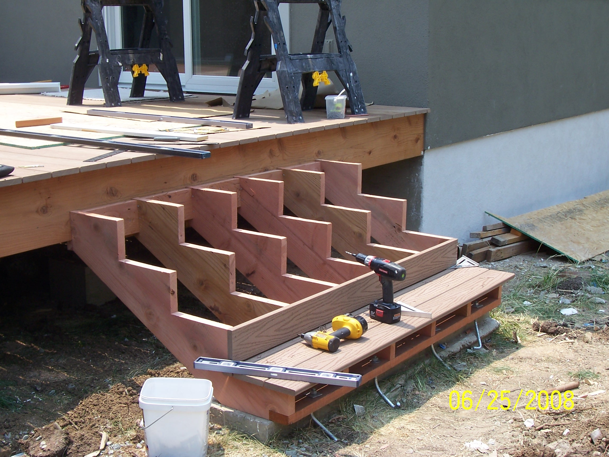 Building deck stairs for dummies design and ideas for Steps to designing a house