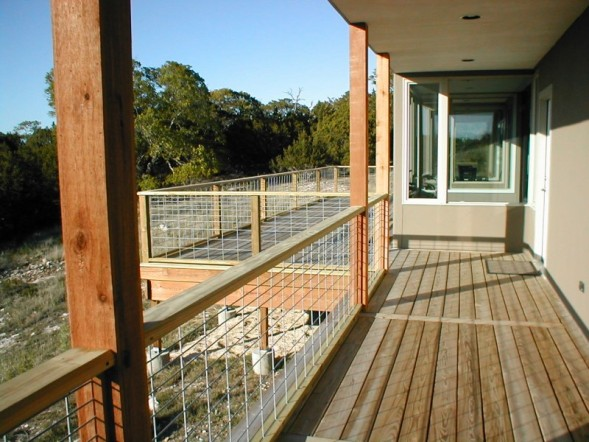 cattle wire deck railing  photo - 1