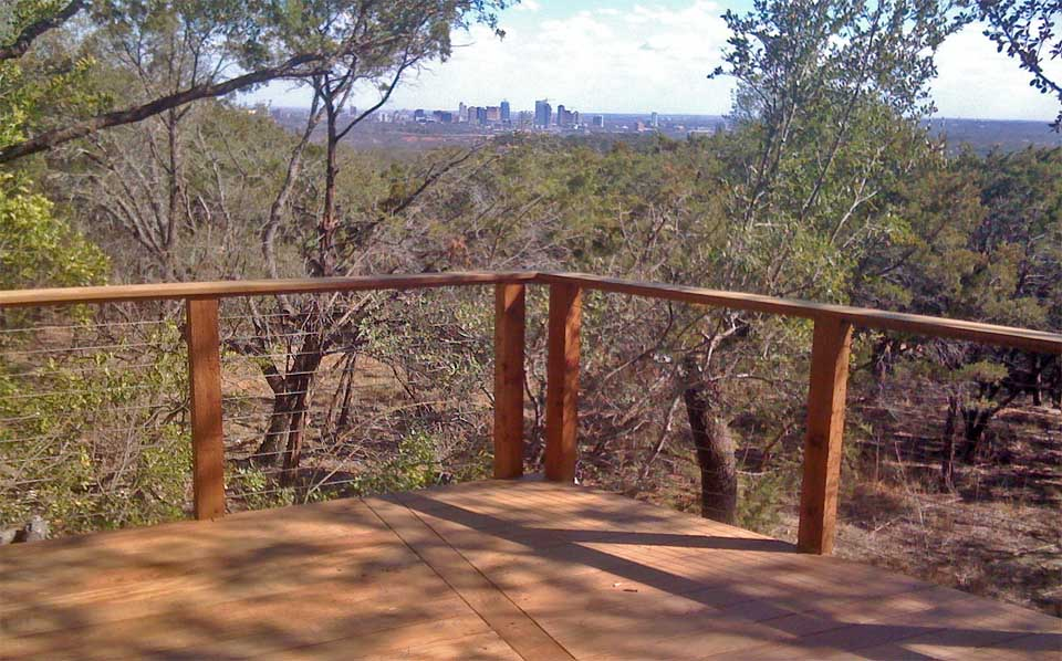 cattle wire deck railing  photo - 2