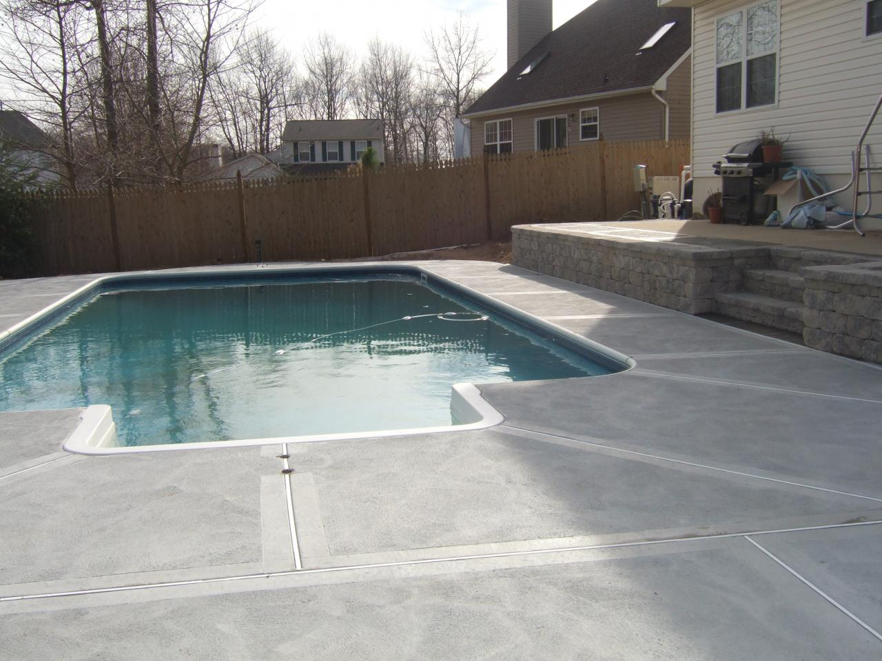 Under pools with patio modern patio outdoor for Concrete pool designs