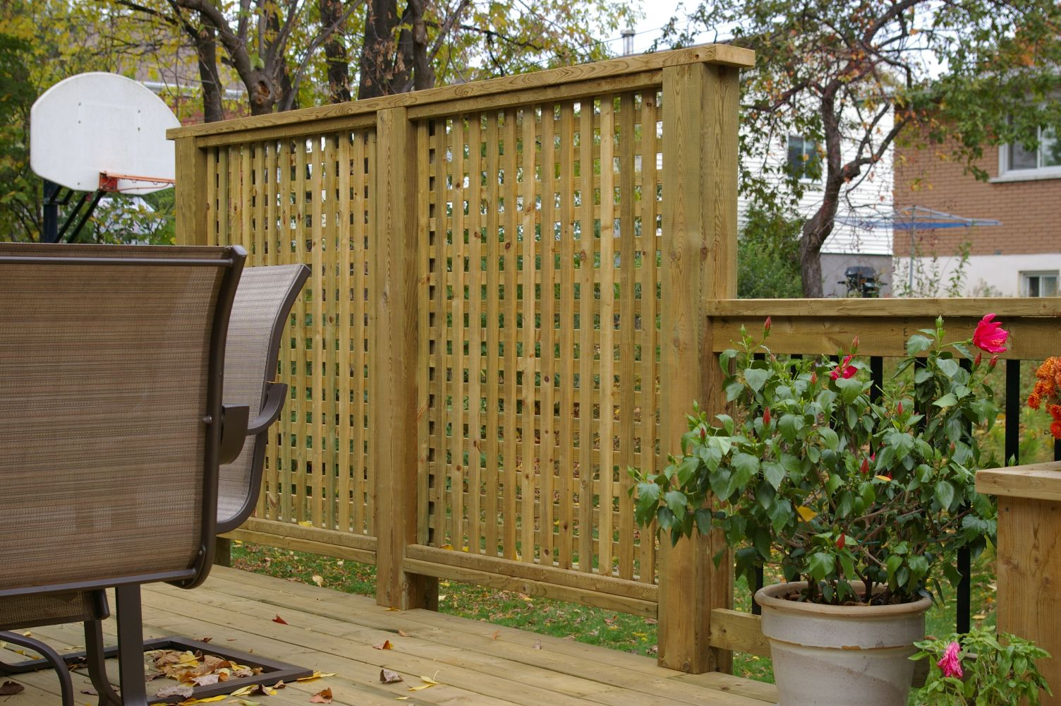 Deck privacy screens edmonton design and ideas for Outdoor wood privacy screen