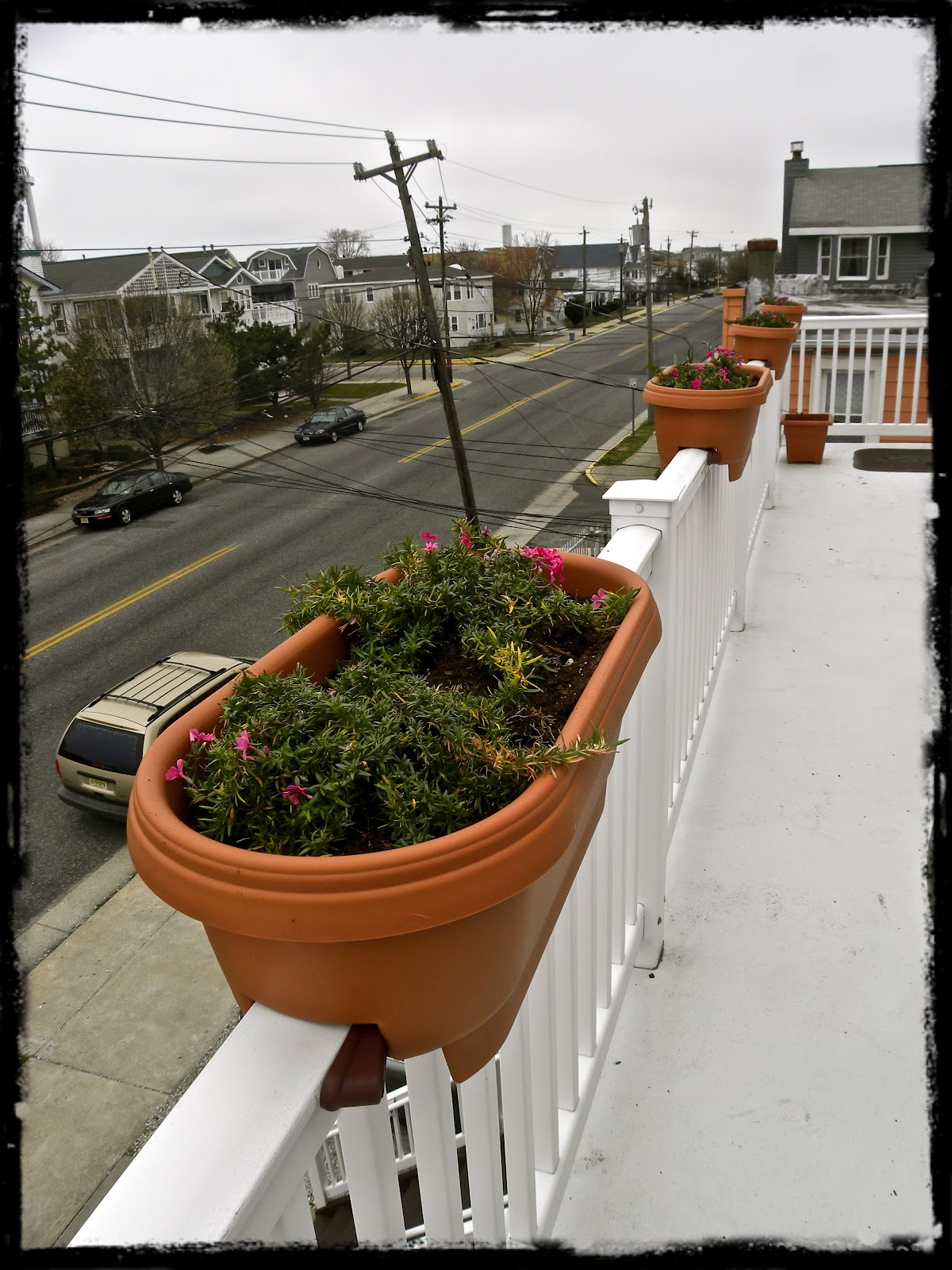 Deck rail planter boxes lowes design and ideas - Deck rail planters lowes ...