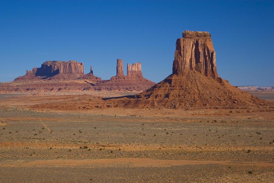 Desert landscaping rock design and ideas for Desert landscape