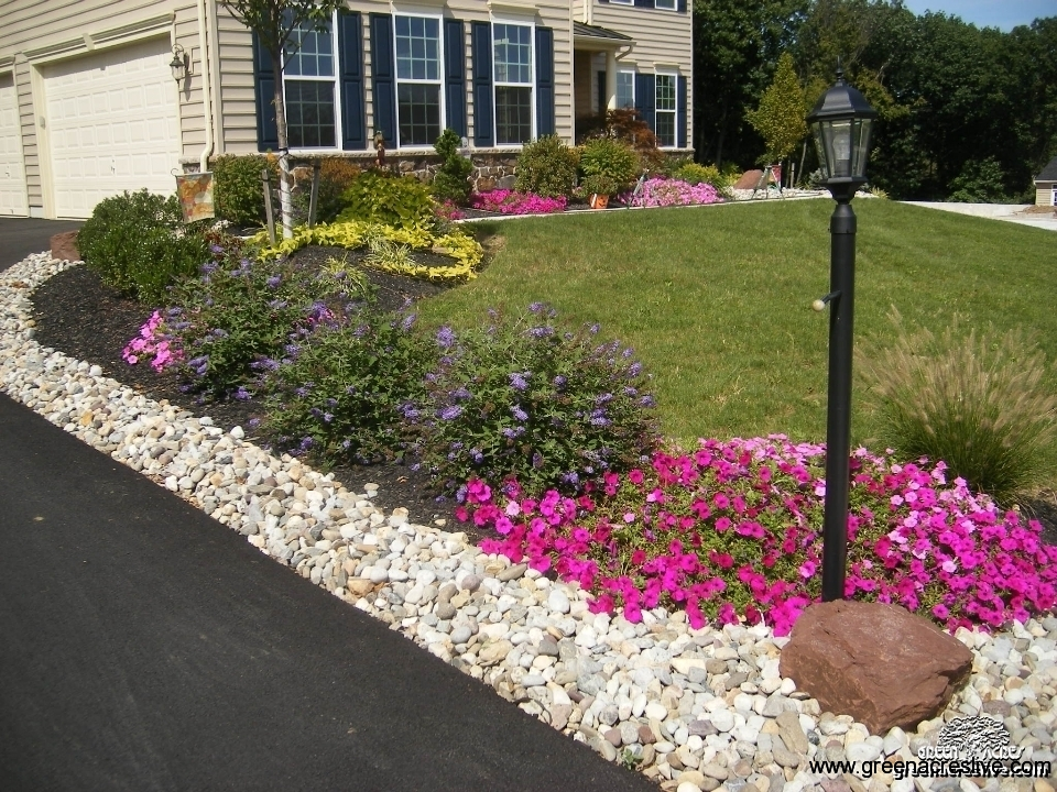 Driveway Landscaping Ideas Photos  photo - 1