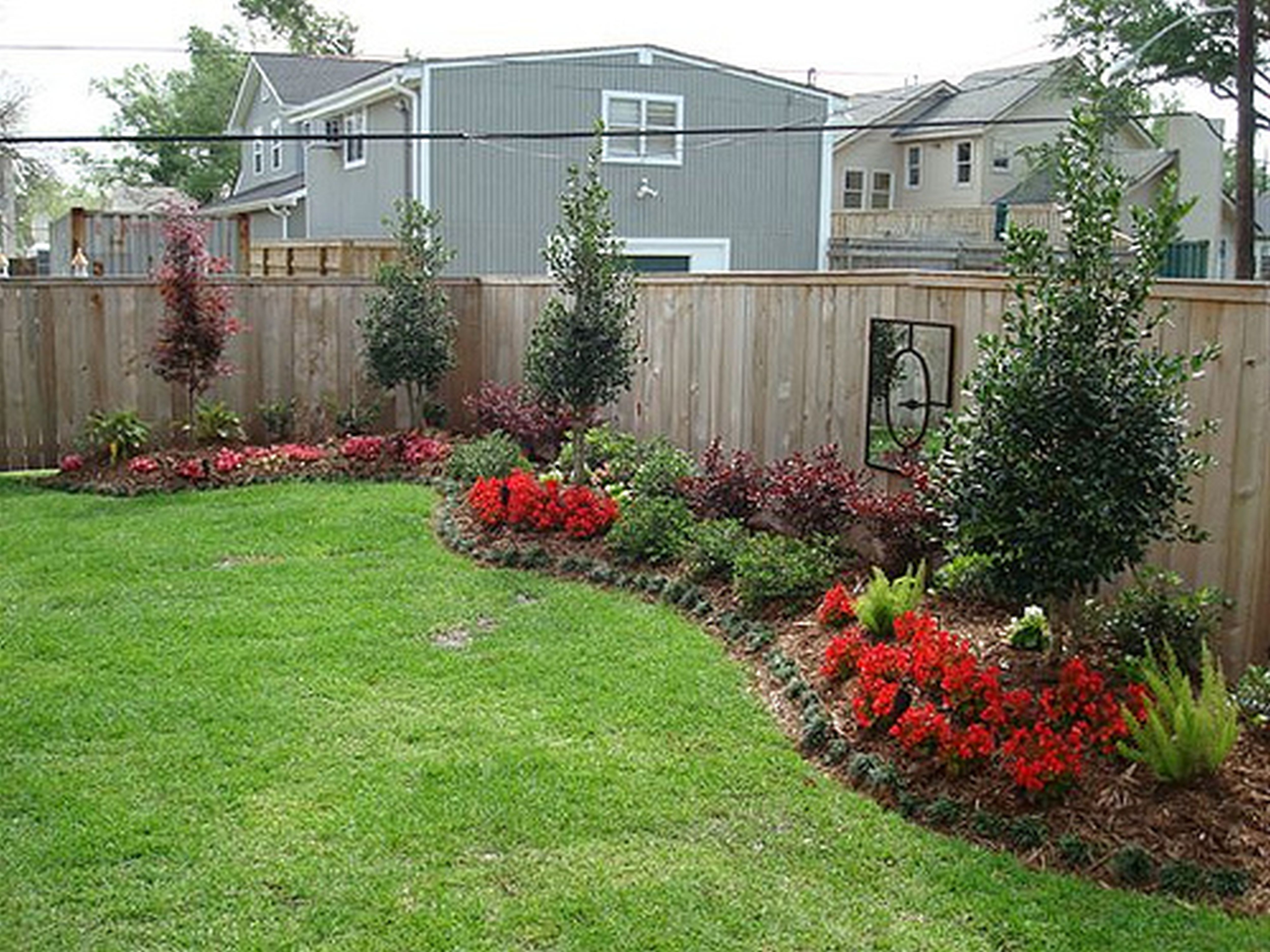 Image of: Easy Small Backyard Landscaping Ideas Design And Ideas