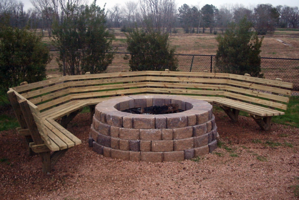 Fire pit bench design and ideas for How to make a pallet fire pit table