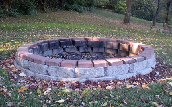 Fire pit bricks uk design and ideas for What kind of bricks for fire pit
