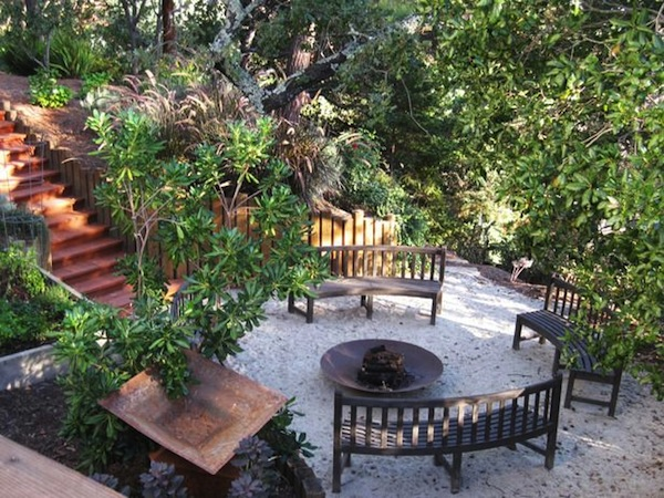 fire pit seating curved  photo - 3