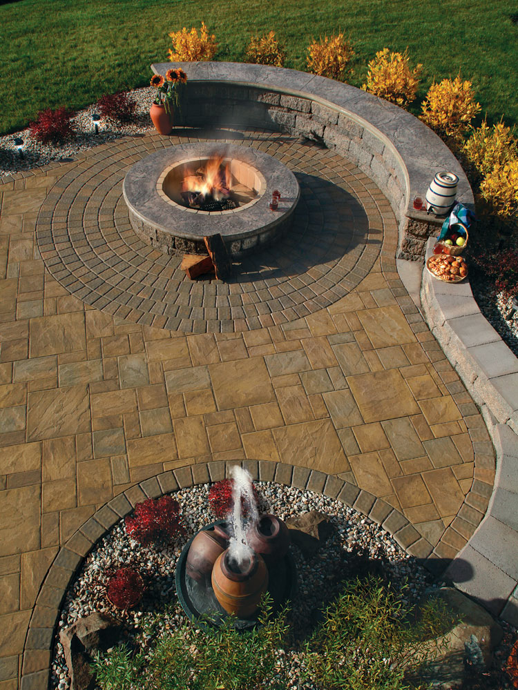 fire pit seating curved  photo - 1