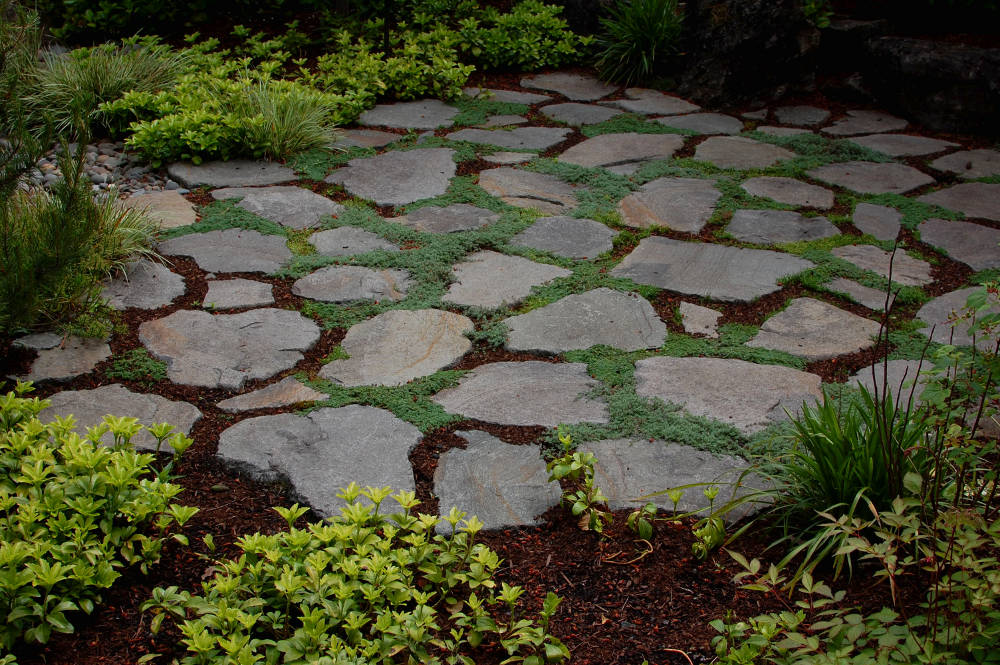 flat rock landscaping ideas