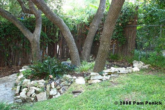 Landscaping with rocks around trees design and ideas for Landscaping ideas around trees pictures