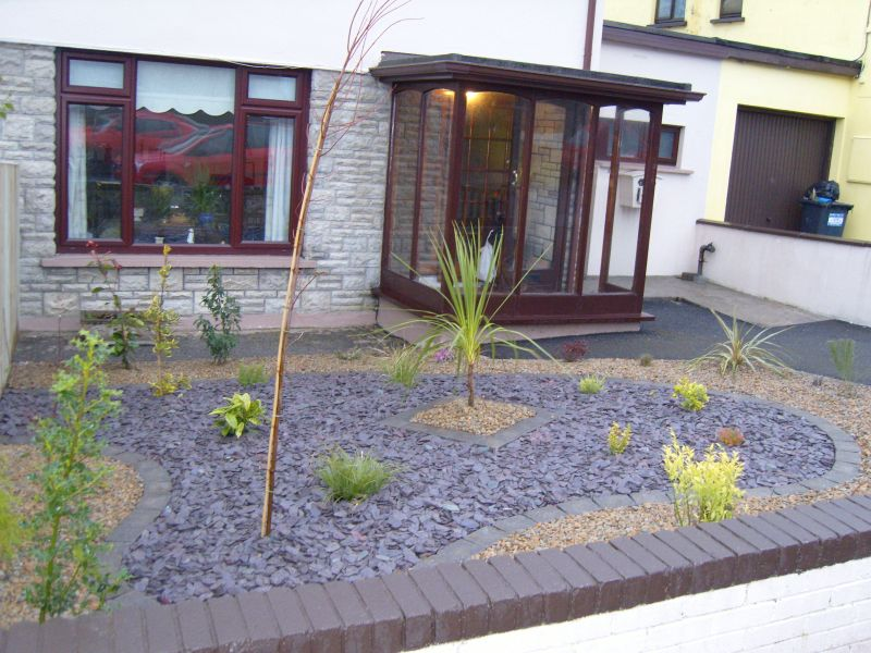 Low maintenance landscaping around house design and ideas for Low maintenance small front garden