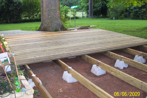 how to build a free floating deck