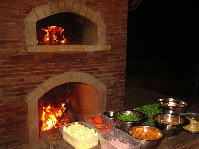 Outdoor Pizza Oven And Fireplace Combo