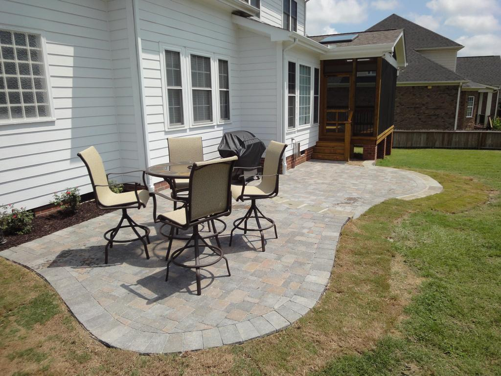 Patio stone deck ideas design and ideas for Small stone patio ideas