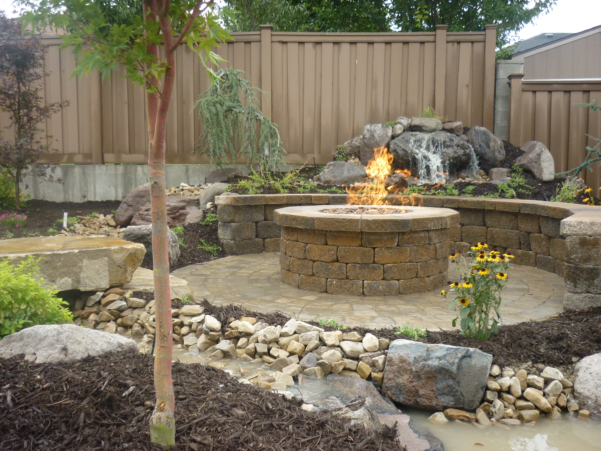 paver patio around fire pit