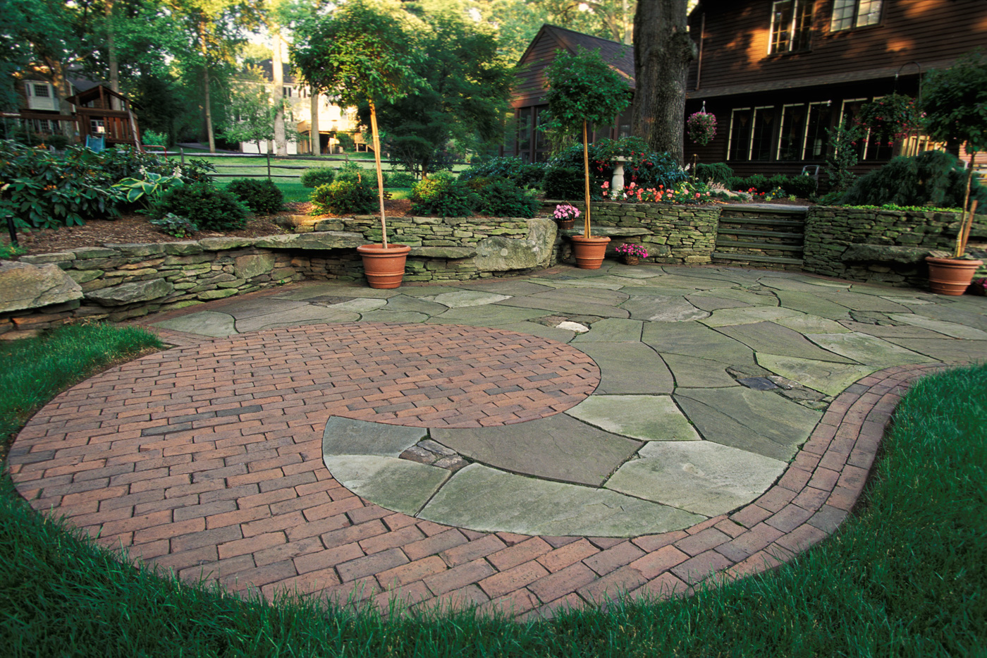 Recognizing The Types Of Brick Patio Patterns Photo   3