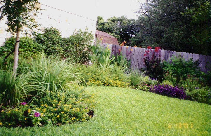 Landscape design austin dh landscape design photos for Outerscapes landscaping