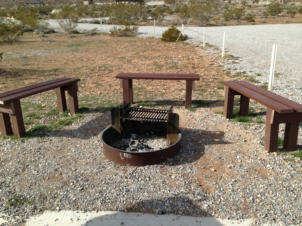 round fire pit benches