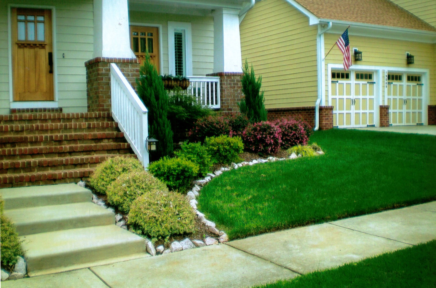 simple landscaping ideas images  photo - 1