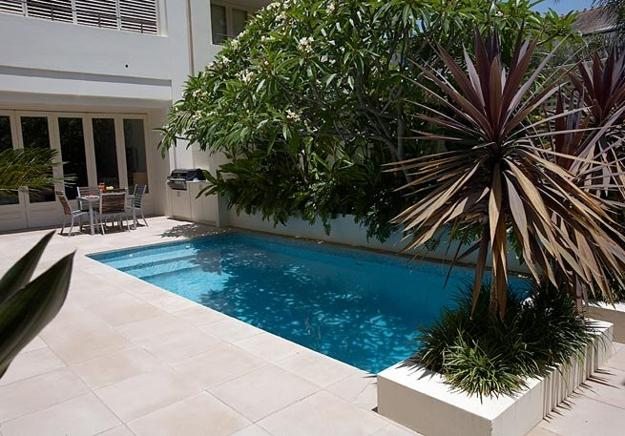 Small backyard pool size design and ideas - Mini swimming pool size ...