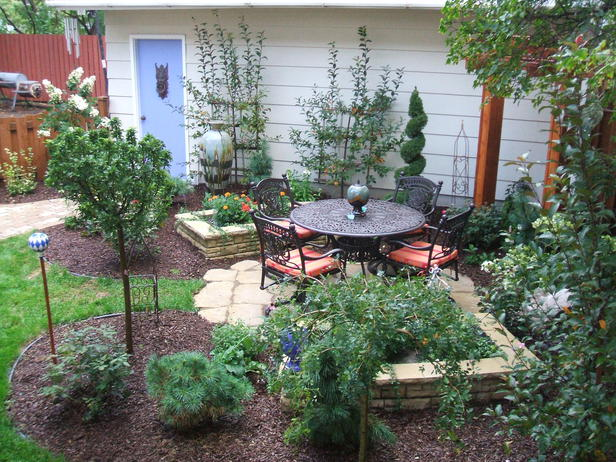 small city backyard landscaping ideas  photo - 1