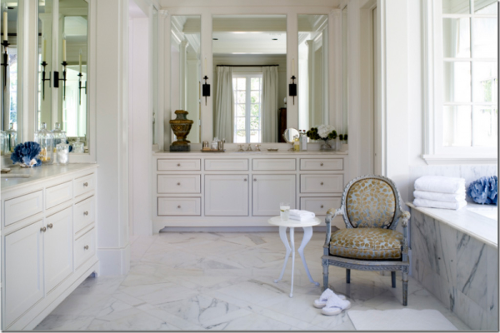 Spa Bathroom Design Ideas Traditional White Bathroom photo - 1