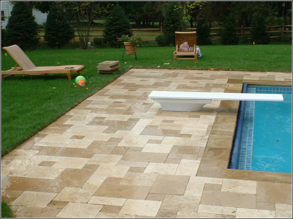 The Benefits of Travertine Pool Deck