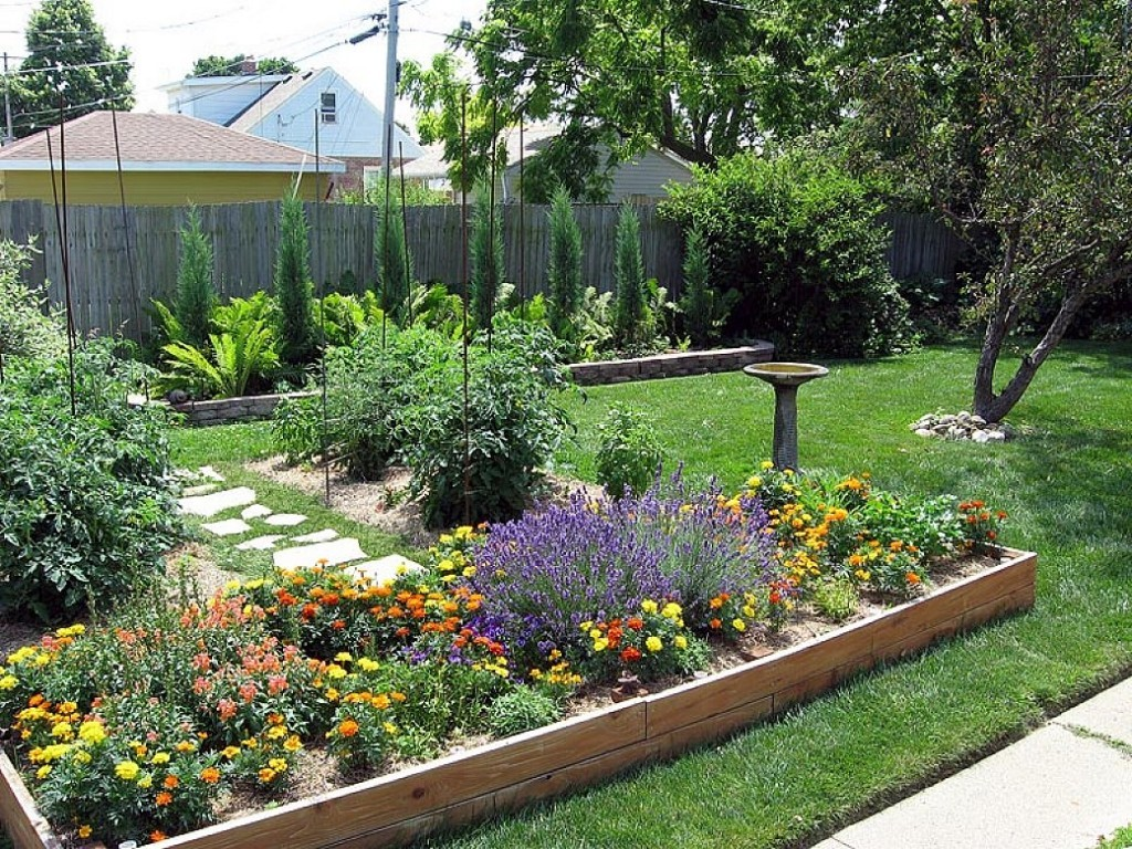 the best small backyard landscaping ideas  photo - 1