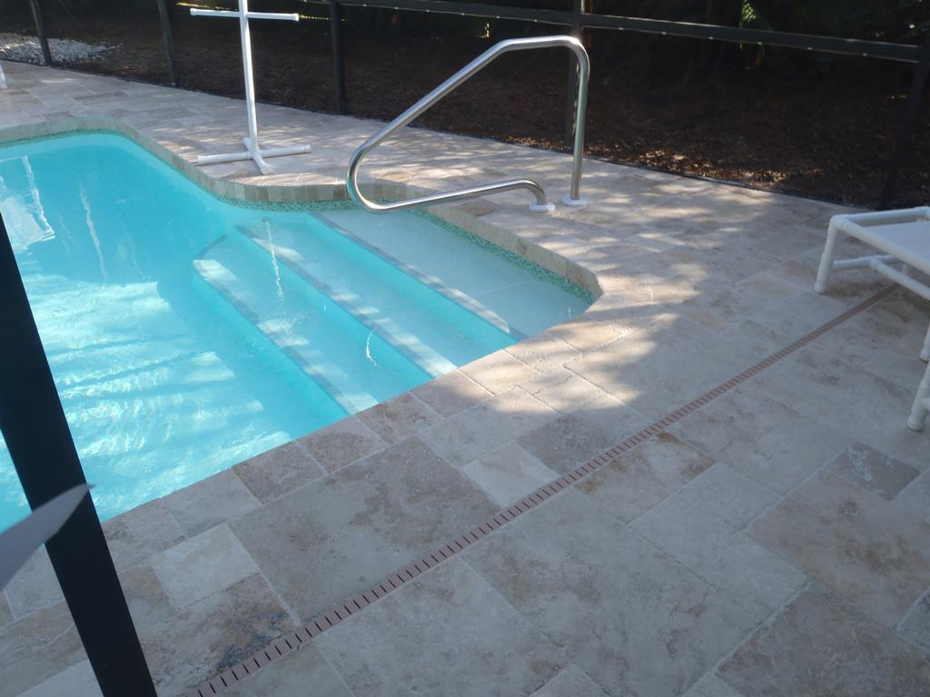 Travertine Pool Deck French Pattern 187 Design And Ideas