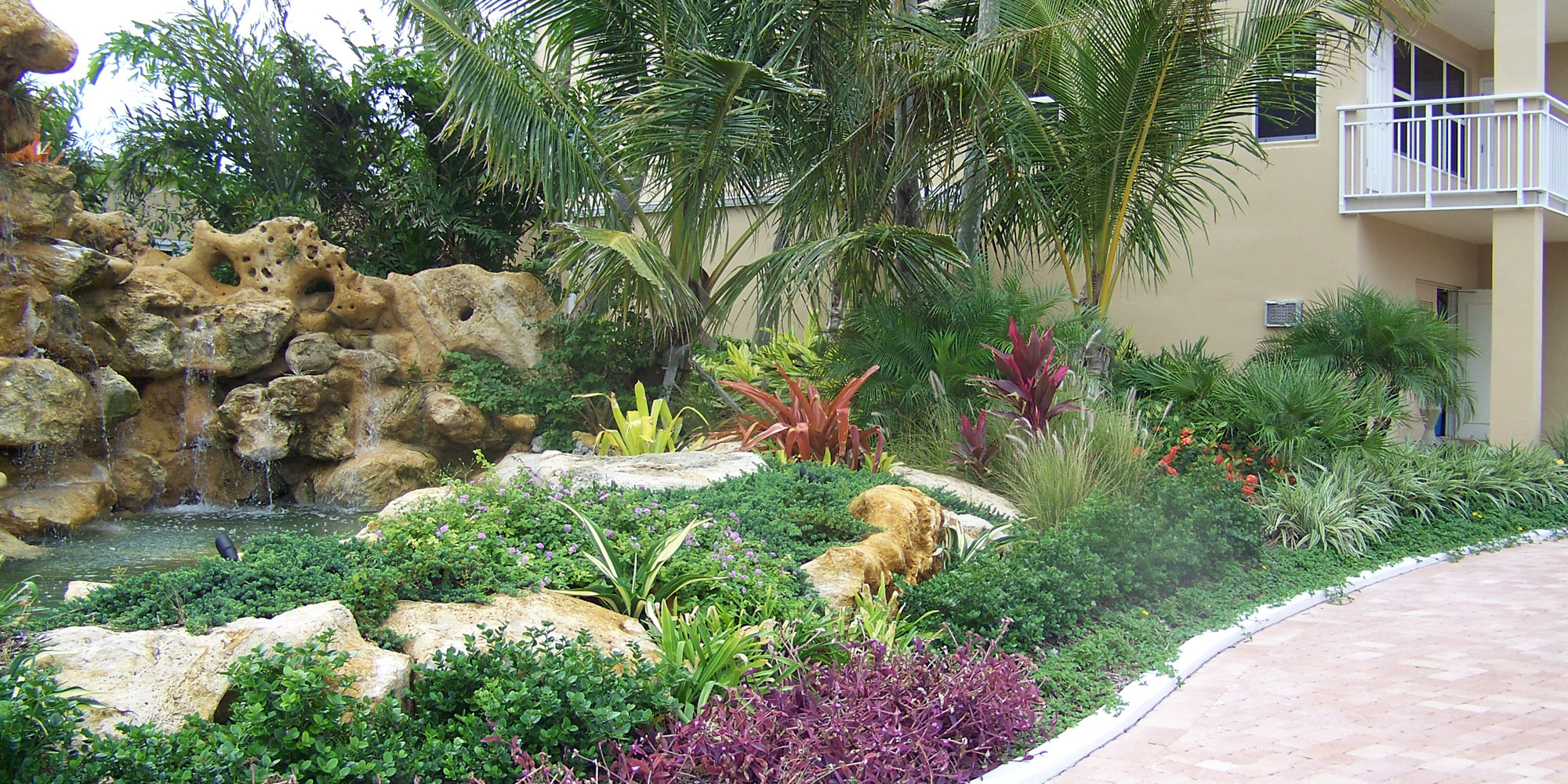 Tropical american landscaping design and ideas for Design and landscape