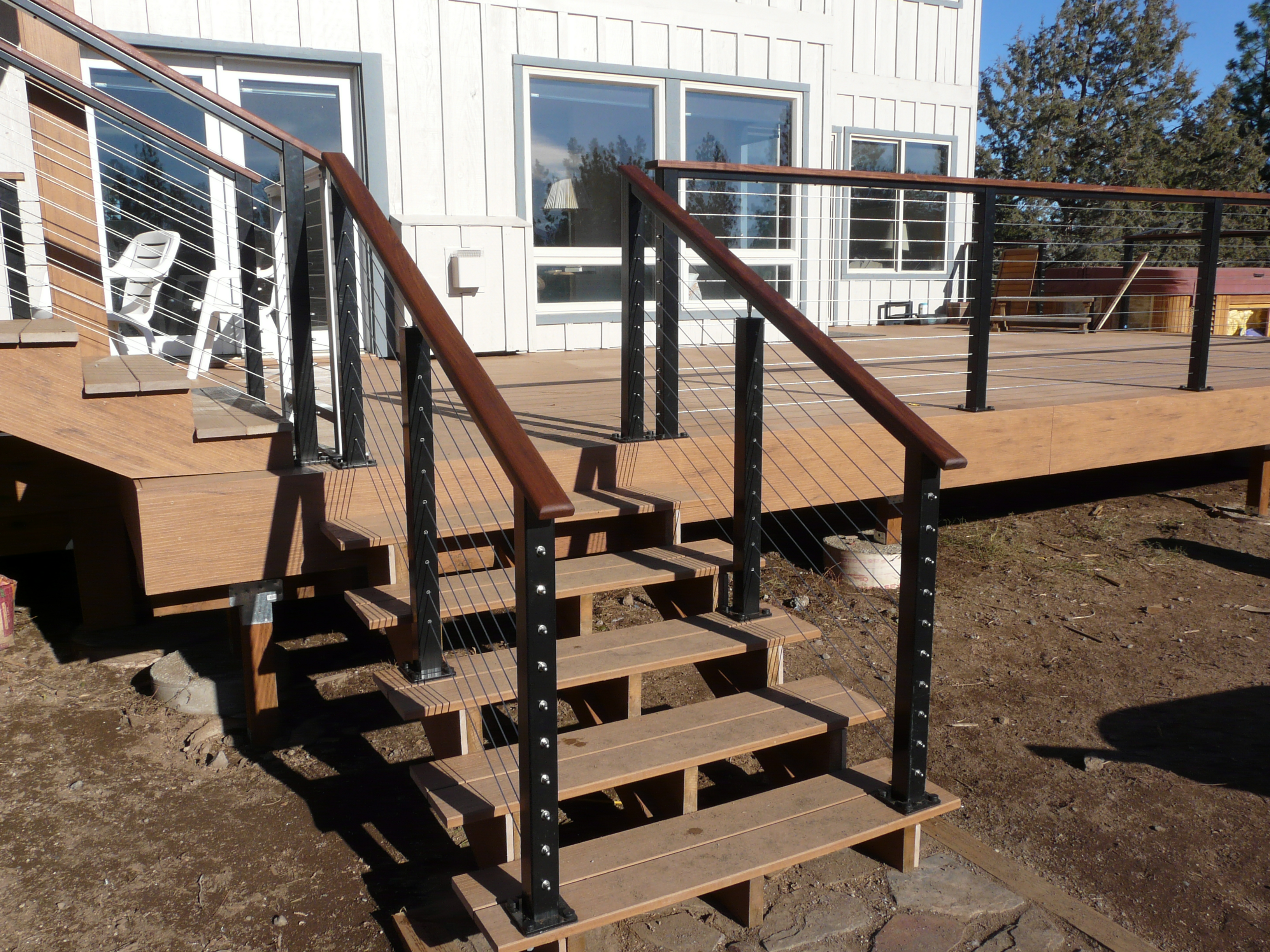 Picture of: Wire Deck Railing Variation Designs For Home Design And Ideas
